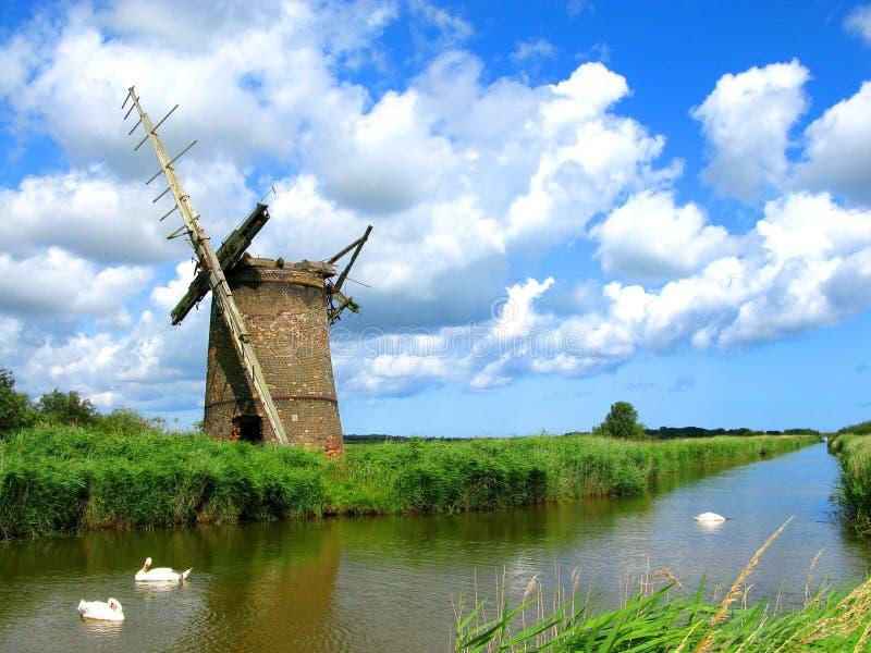 Moinho de vento arruinado Norfolk fotografia de stock