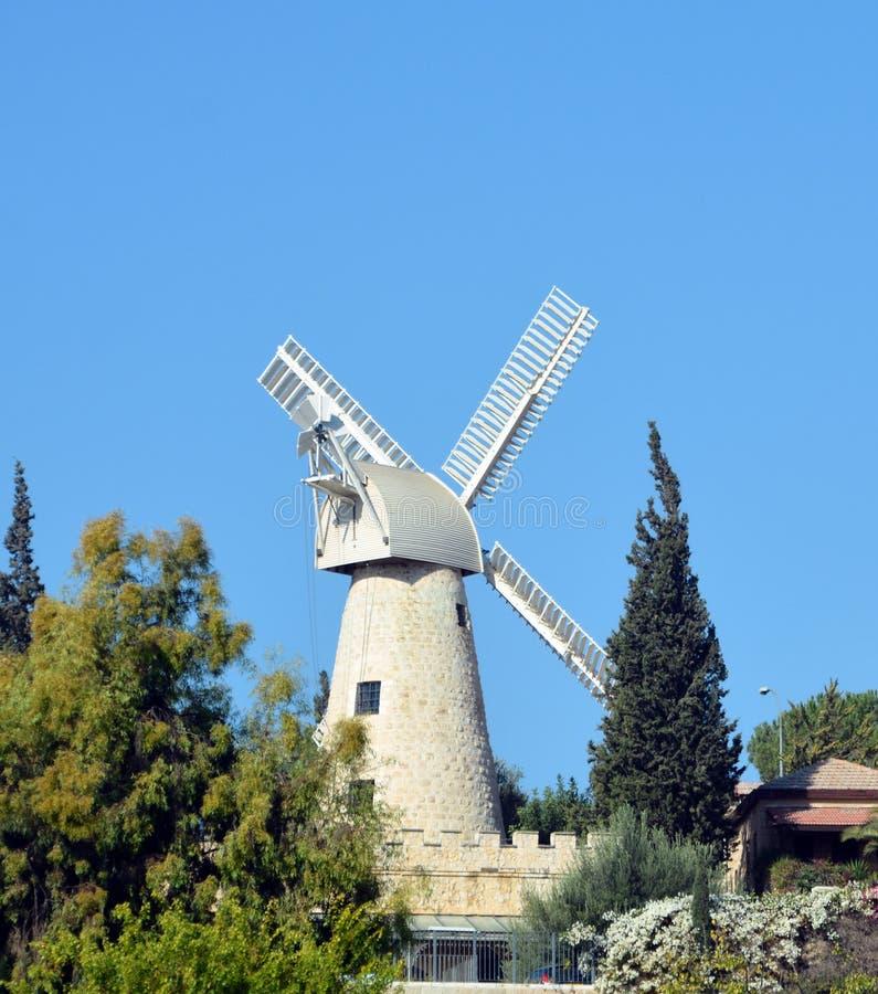 Moinho de vento de Montefiore imagens de stock