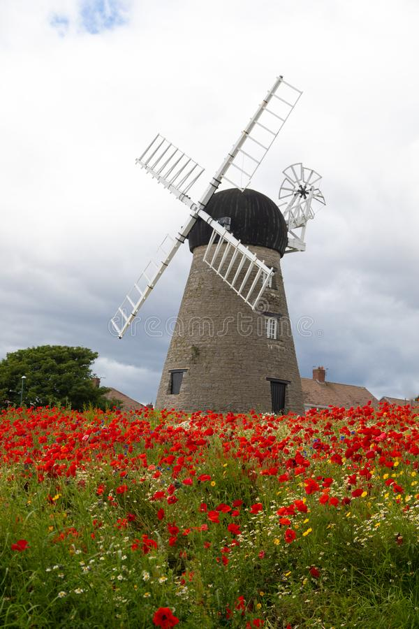 Moinho de vento do século XVI de Whitburn fotos de stock royalty free