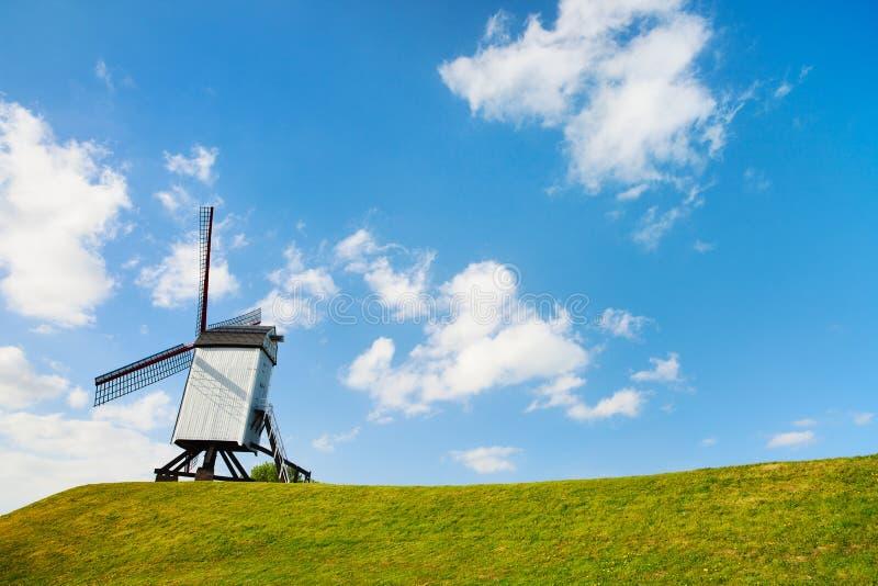 Moinho de vento em Bruges imagens de stock royalty free