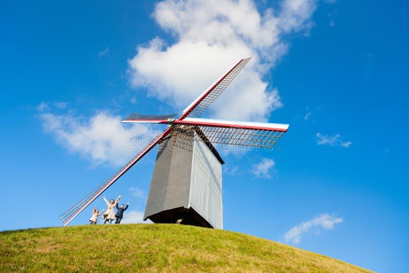 Moinho de vento em Bruges, Bélgica fotos de stock royalty free