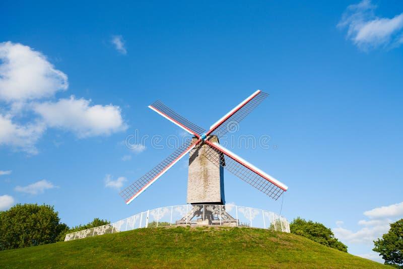 Moinho de vento em Bruges, Bélgica imagem de stock royalty free