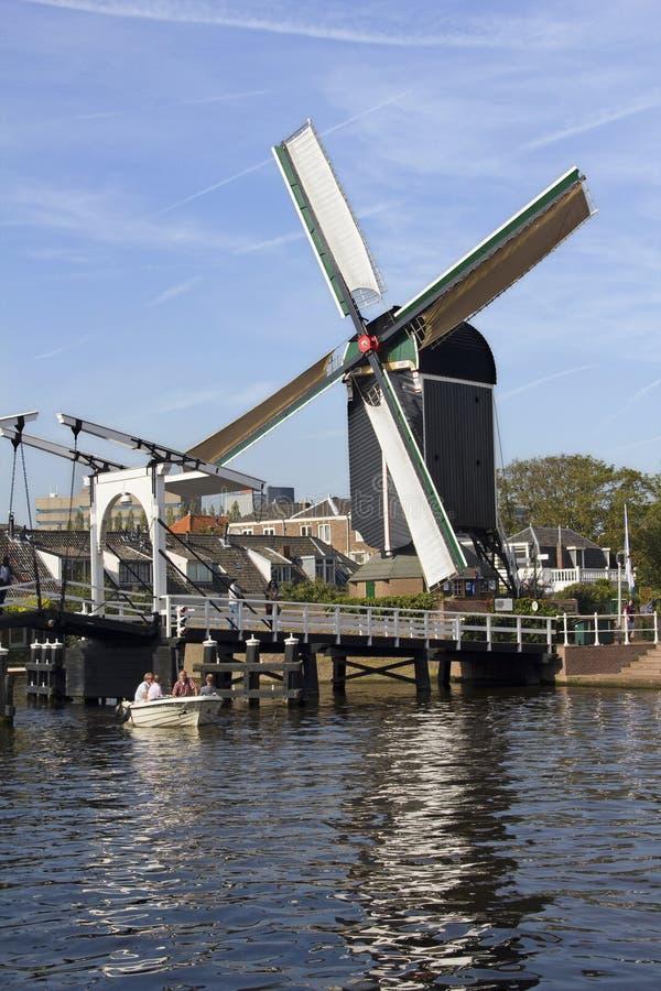 Moinho de vento em Leiden fotografia de stock