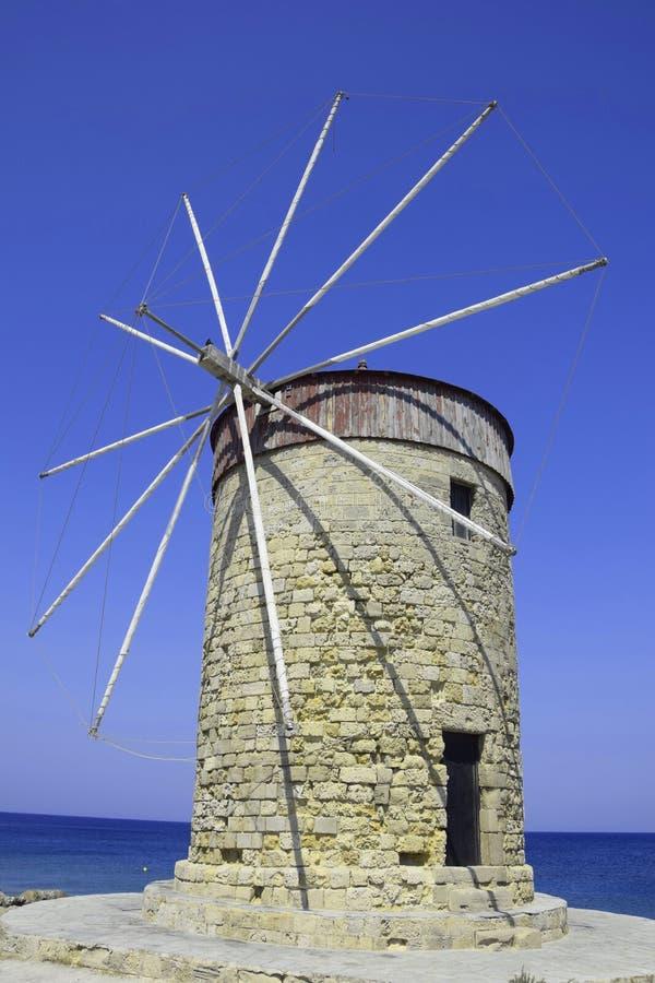 Moinho de vento em Rhodes Greece fotografia de stock