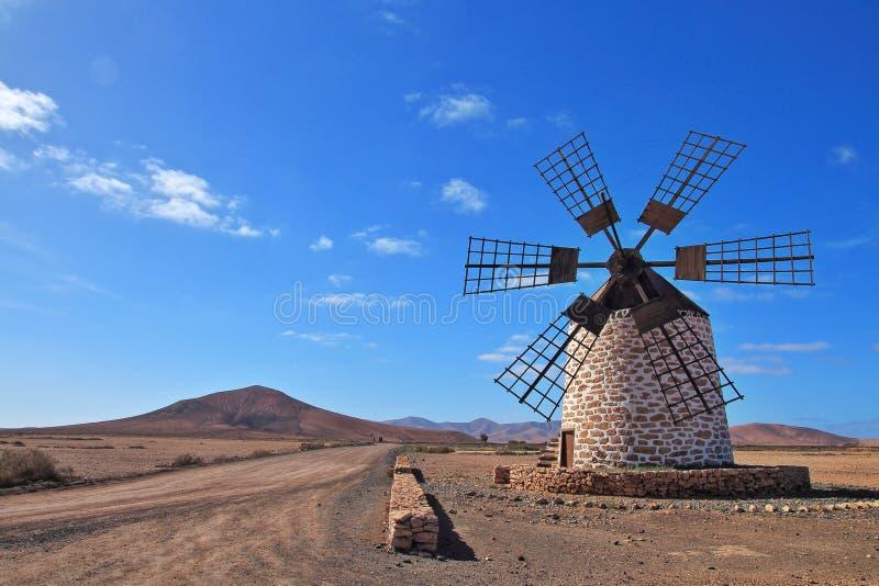 Moinho de vento, Fuerteventura, Canarias, Espanha, Europa imagem de stock