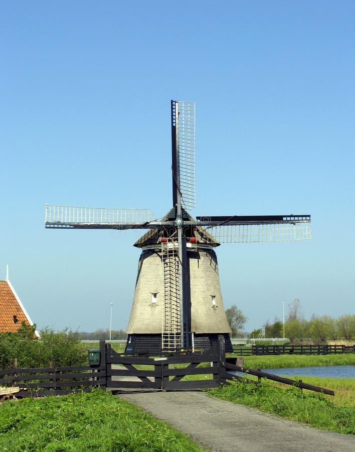 Download Moinho de vento holandês 7 foto de stock. Imagem de fazenda - 114328