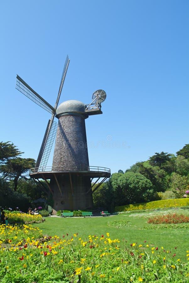 Moinho de vento holandês em Golden Gate Park foto de stock royalty free