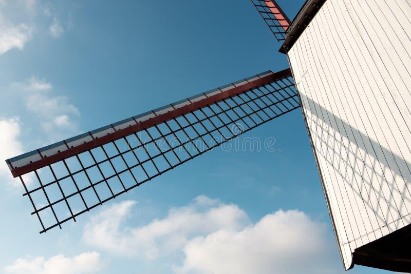 Moinho de vento no céu foto de stock
