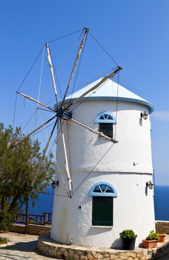 Moinho de vento no console de Zakynthos em Greece imagens de stock royalty free