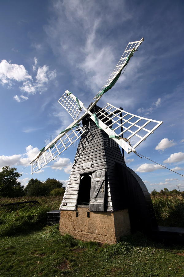 Moinho de vento no Fen de Wicken fotografia de stock royalty free