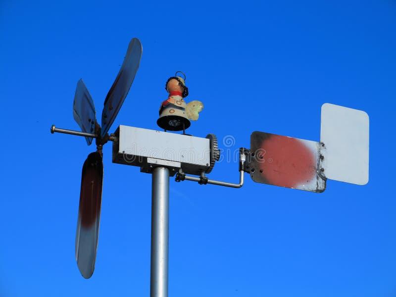 Moinho de vento rústico pequeno fotos de stock royalty free
