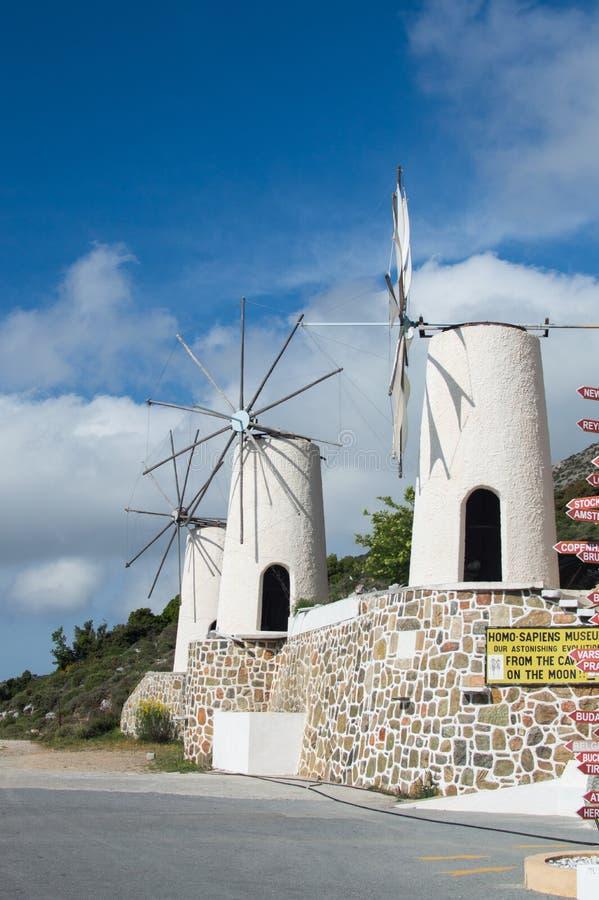 Moinho de vento velho no platô de Lassithi fotografia de stock royalty free