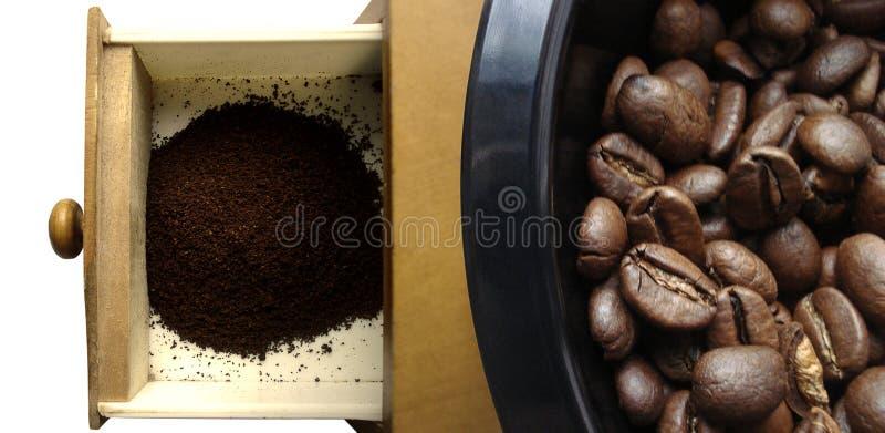 Moinho e feijões de café foto de stock royalty free