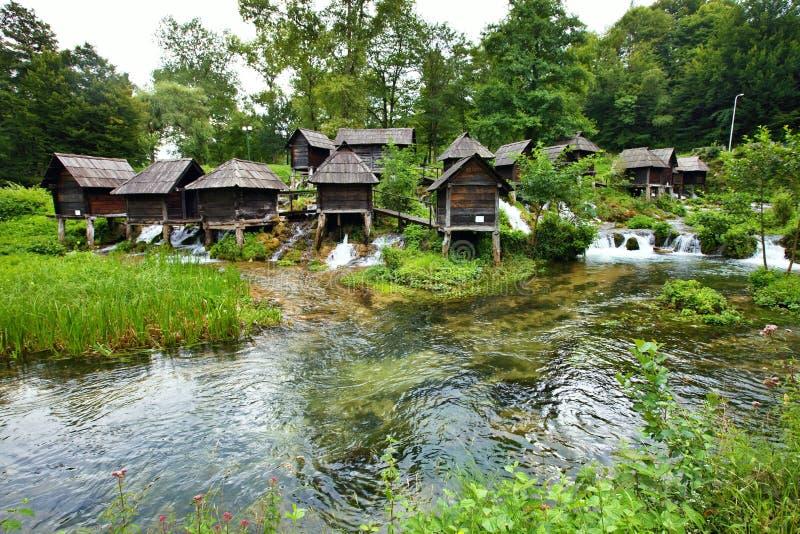 Moinho pequeno na área de lagos Plic, Bósnia - Herzegovina imagem de stock royalty free