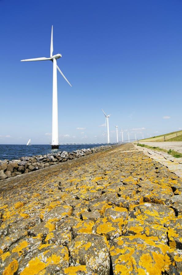 Moinhos de vento da energia foto de stock royalty free
