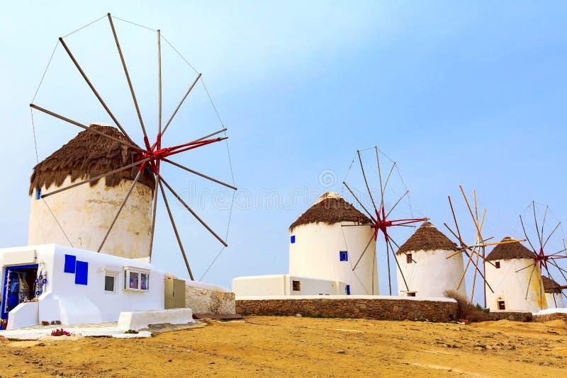 Moinhos de vento da ilha de Mykonos em Grécia, Cyclades fotografia de stock royalty free