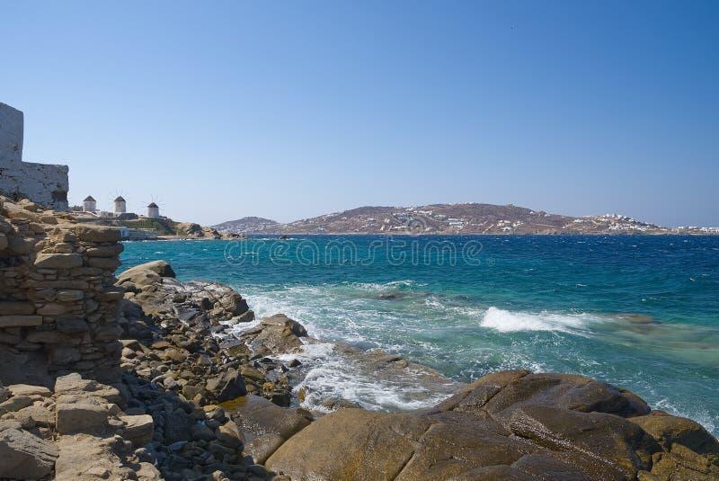 Moinhos de vento da vila de Chora - ilha de Mykonos Cyclades - Mar Egeu - Grécia imagens de stock royalty free