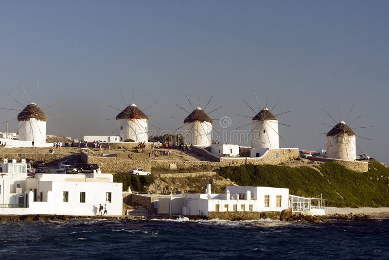 Moinhos de vento dos mykonos fotos de stock royalty free