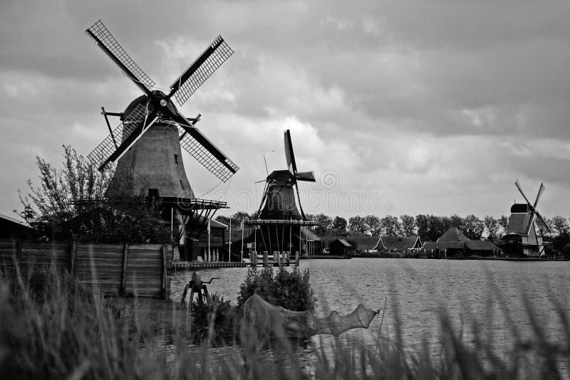 Moinhos de vento em Amsterdão fotos de stock