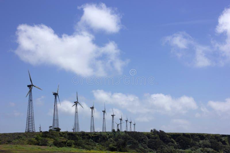 Moinhos de vento em Chalkewadi Satara, Maharashtra, Índia imagens de stock royalty free
