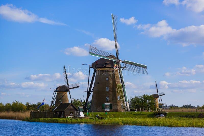 Moinhos de vento em Kinderdijk - Países Baixos imagens de stock royalty free