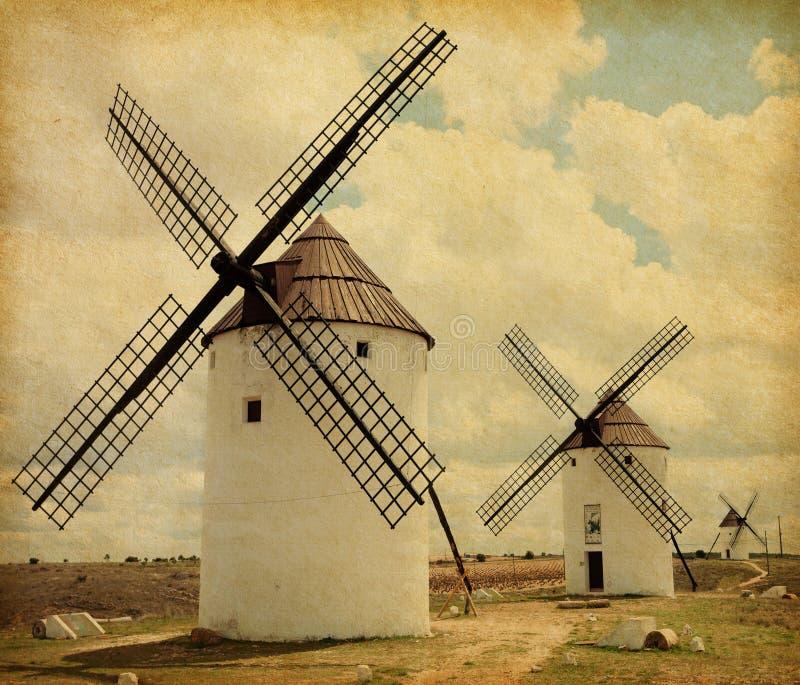 Moinhos de vento medievais. imagens de stock royalty free