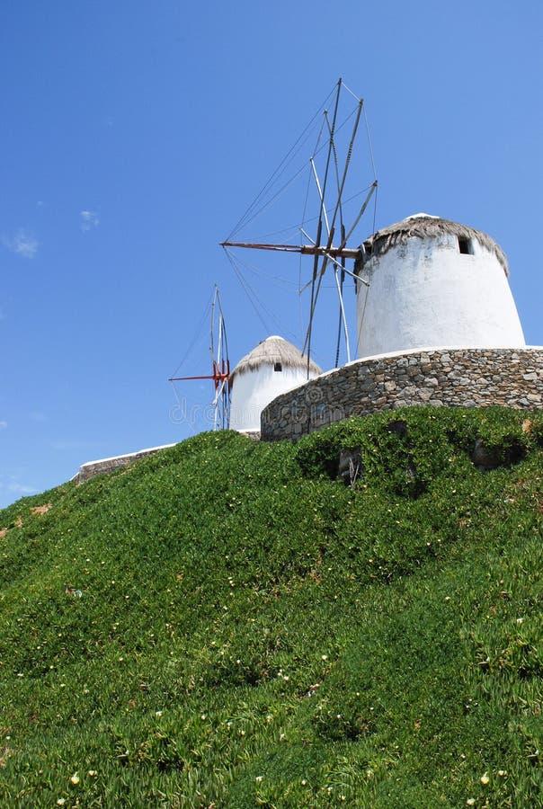 Moinhos de vento de Mykonos, marco famoso Greece fotografia de stock