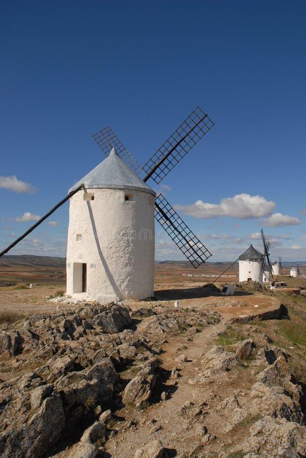 Moinhos de vento nas planícies do La Mancha, Espanha imagem de stock royalty free