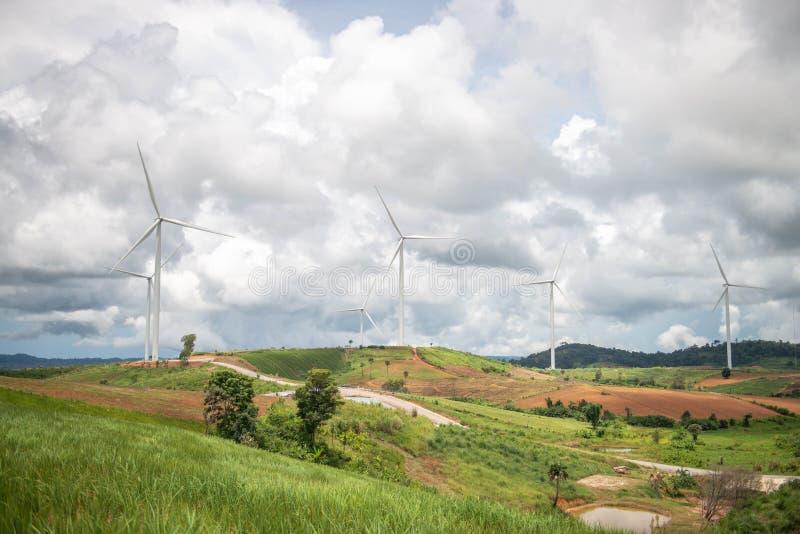 Moinhos de vento para a produção de Electric Power foto de stock