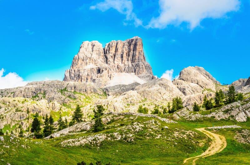 Mointain nas dolomites, Itália do norte de Monte Averau imagem de stock royalty free