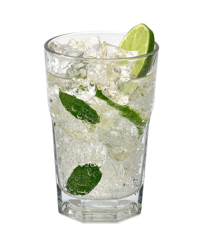 Mojito-Cocktail oder Sodagetr?nk mit Kalk lizenzfreie stockbilder