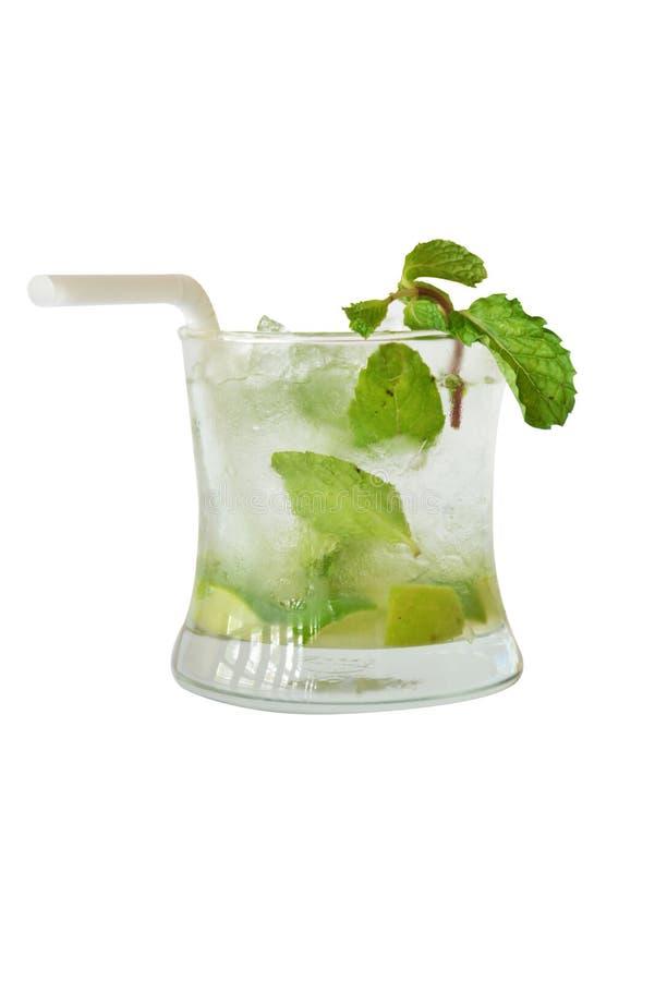 Mojitococktail en alcohol op witte achtergrond royalty-vrije stock afbeeldingen
