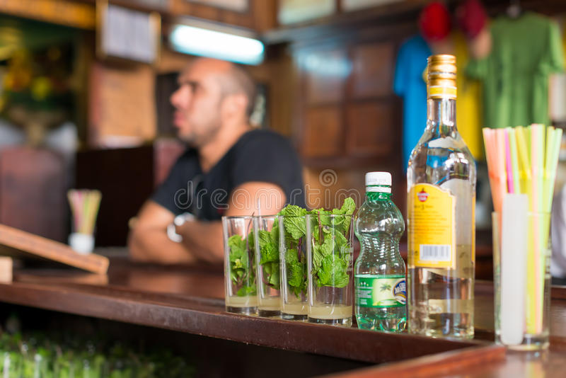Mojitos in La Bodeguita del Medio in Havana stock foto's