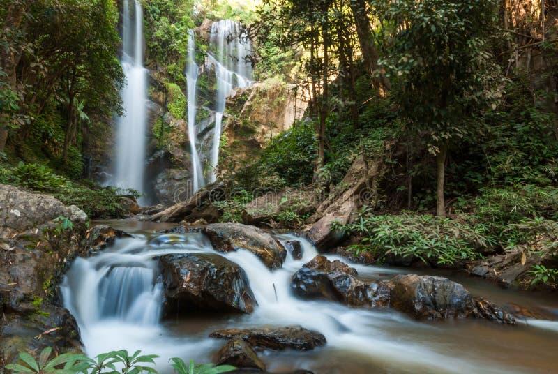 Mokfah-Wasserfall stockbild