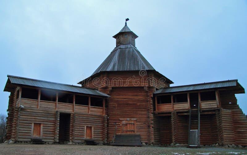 Mokhovaya torn av Suma Stockade i det tidigare kungliga godset Kolomenskoye royaltyfria foton