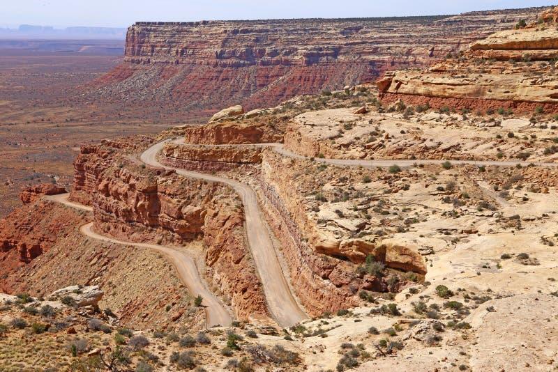 Moki Dugway 山沟,沙漠 免版税图库摄影