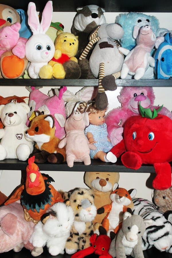 Mokiet zabawki dla dzieci w dzieciakach izbowych zdjęcie royalty free