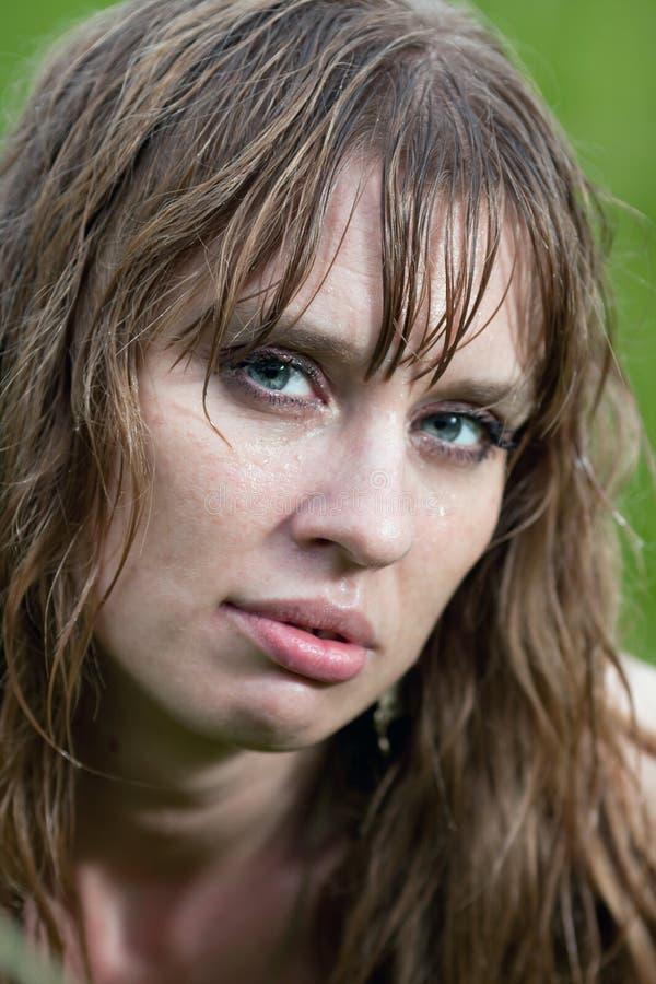 Download Mokra kobieta twarz obraz stock. Obraz złożonej z hairball - 25966013