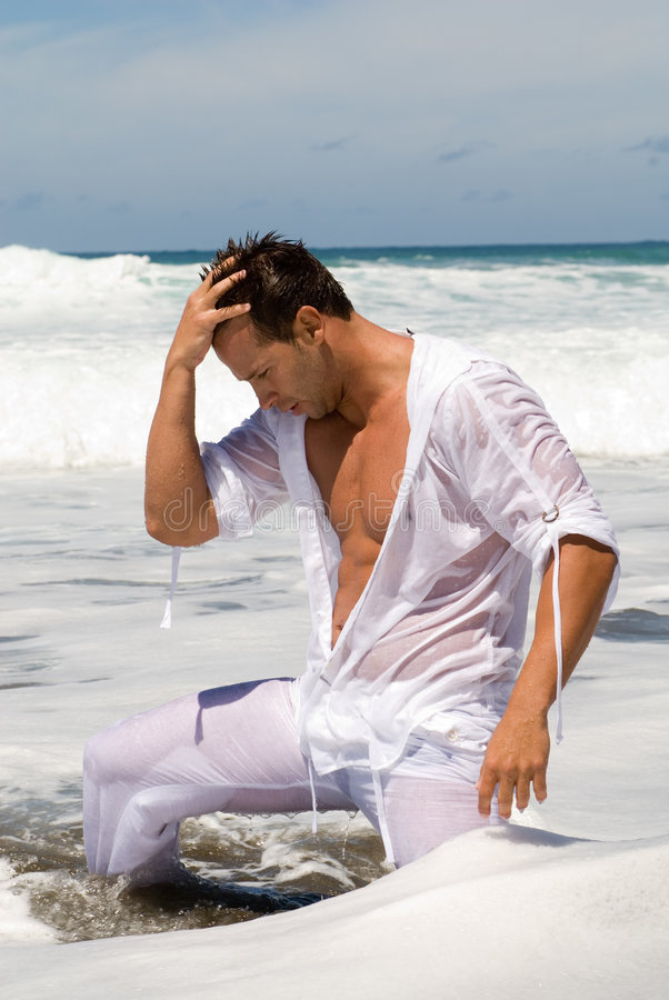 mokre ubranie człowieka morzem obrazy royalty free