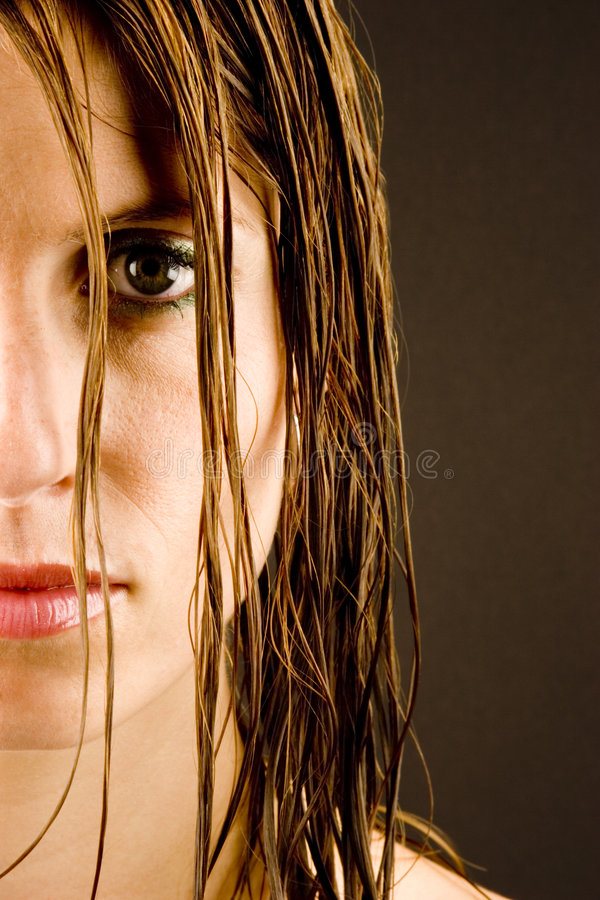 mokre włosy kobiety young zdjęcie stock