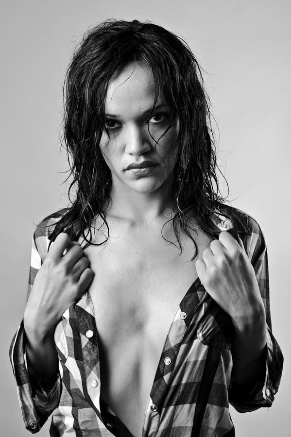 Mokry seksowny model zdjęcie royalty free