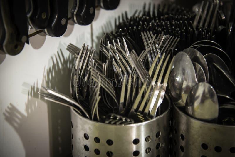 Mokrzy noże i rozwidlenia Cutlery zdjęcie royalty free