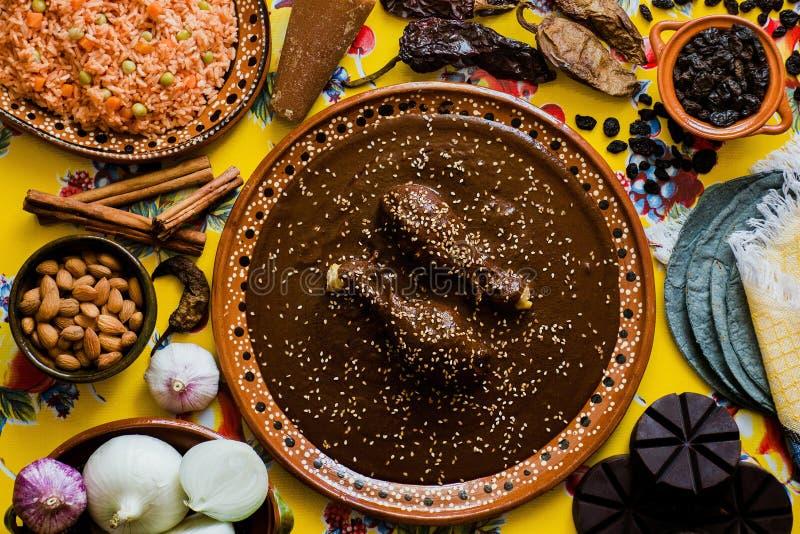 Mol Mexicano, Poblano-molingrediënten, Mexicaans kruidig voedsel traditioneel in Mexico royalty-vrije stock afbeeldingen