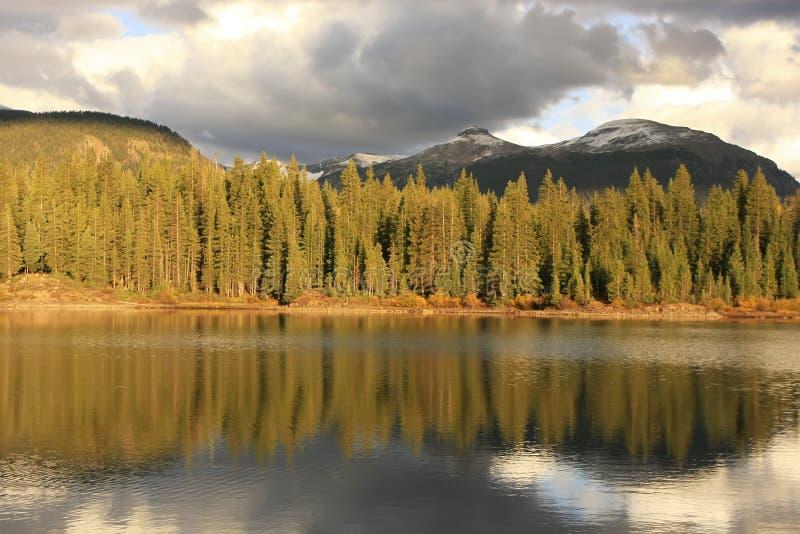 Molas sjö och visarberg, Weminuche vildmark, Colorado royaltyfria bilder