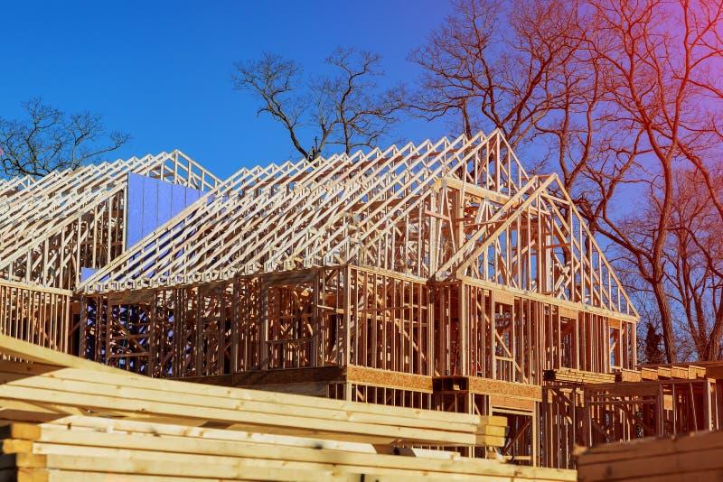 Moldação nova da casa da construção residencial fotografia de stock