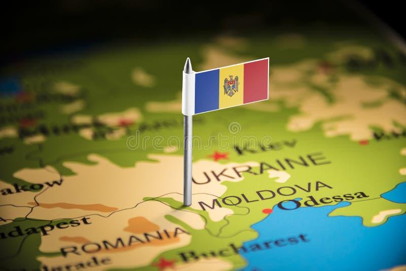 Moldau a identifié par un drapeau sur la carte images libres de droits