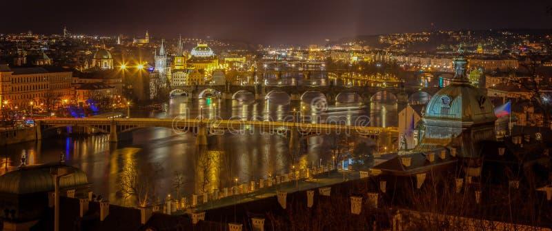 Moldava en la noche imagen de archivo