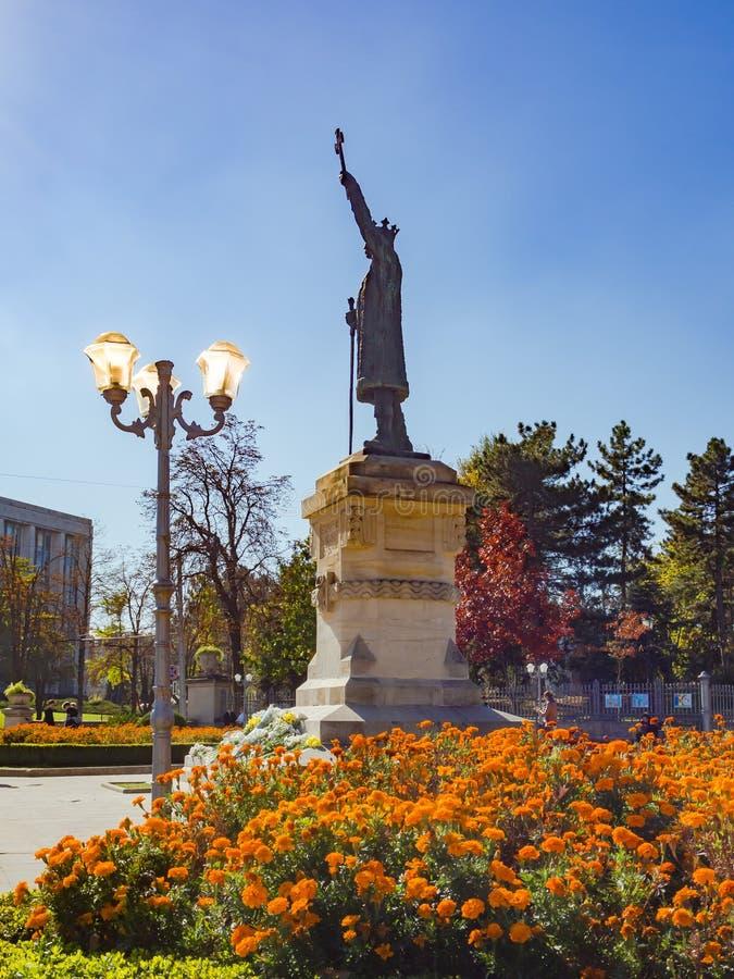 Moldavië, Chisinau Historisch monument aan Stefan Cel Mare in het stadsvierkant stock afbeelding
