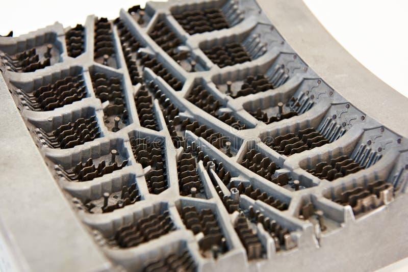 Molde de metal para pneus de borracha de moldação imagem de stock