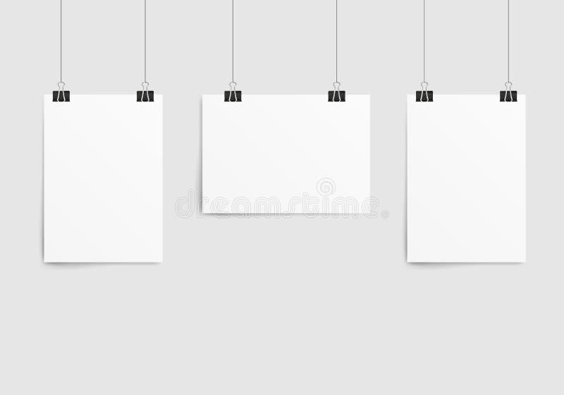 Molde do cartaz de uma folha de papel Modelo de papel vazio do quadro da coleção que pendura com clipe de papel ilustração royalty free